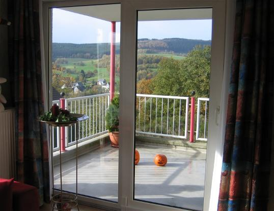 eigentumswohnung balkon. Black Bedroom Furniture Sets. Home Design Ideas